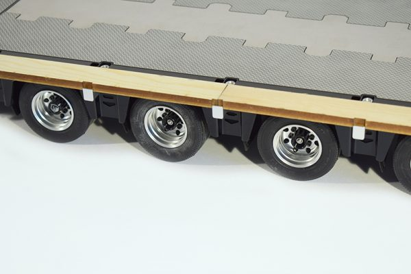 Fury Bear Trailer widening boards